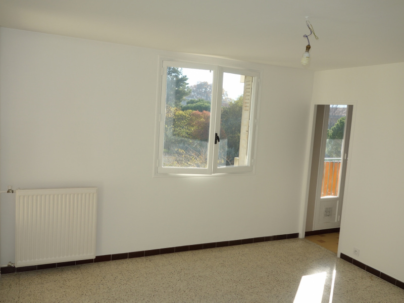 AGENCE MJB, LOCATION Appartements T3, ref. : 95 / 668434